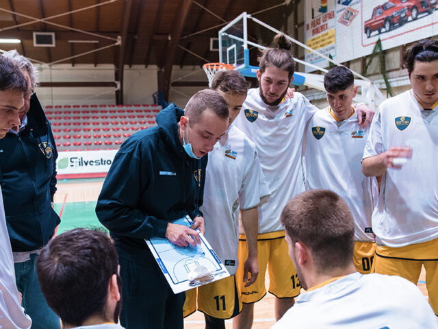 http://www.sutorbasket.it/wp-content/uploads/2021/01/time-out-sito_ciarpella-640x480.jpg
